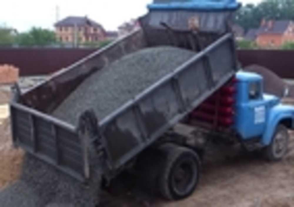 Доставка сыпучих материалов (песок, щебень, шлак, чернозём)