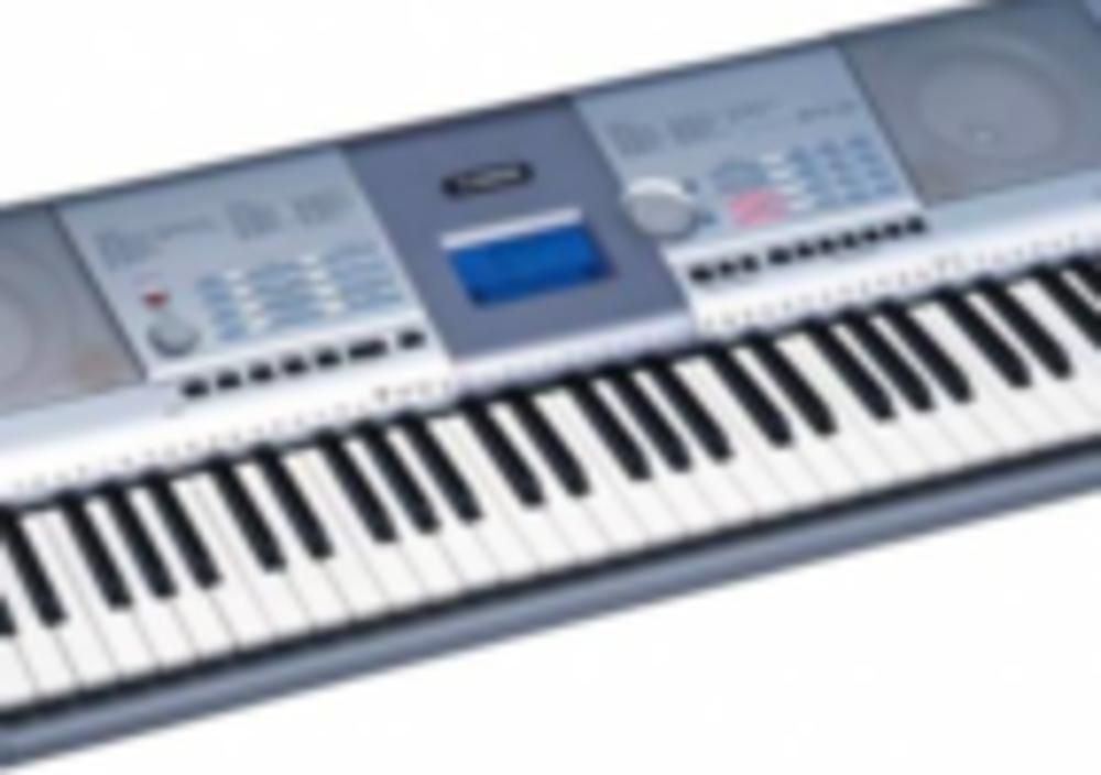 Продаю синтезатор Yamaha PSR 295 б/у